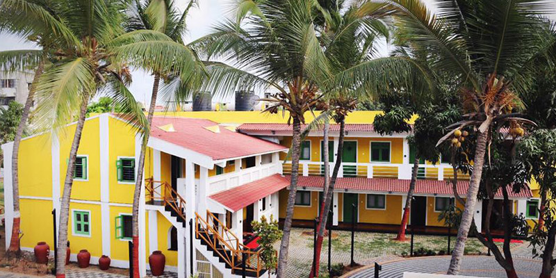 Hardys Villa Resort Banner