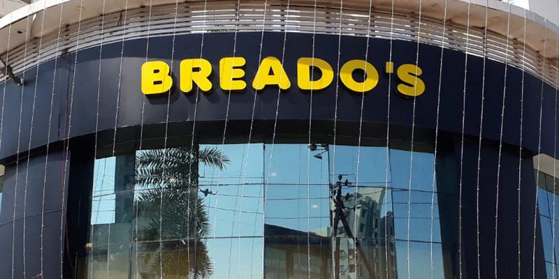 Breado's Pizza Banner
