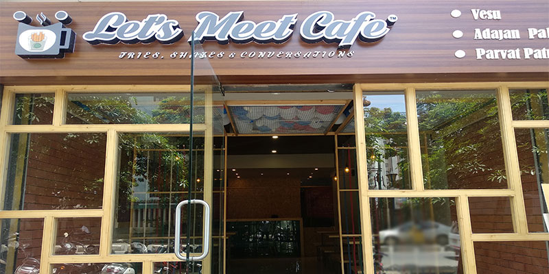 Let's Meet Cafe Banner