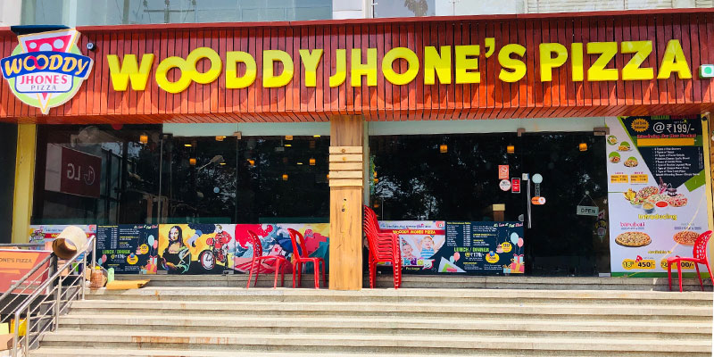 Wooddy Jhones Pizza Banner